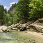 Wildromantische Flußlandschaft in der Tiefenbachklamm