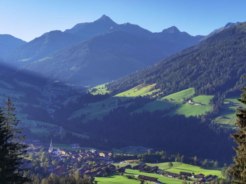 Blick auf den Ort Alpbach im Alpbachtal