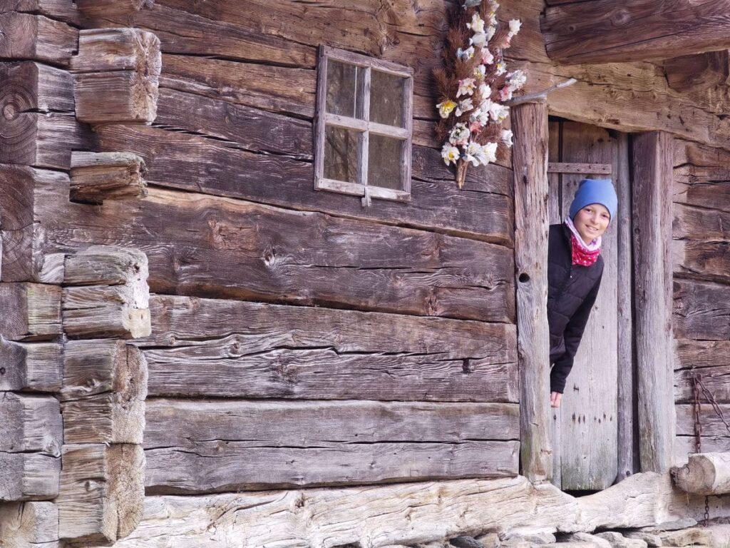 Hereinspaziert in die einzelnen Höfe im Bauernhofmuseum Tirol - was gibt es hier zu entdecken?