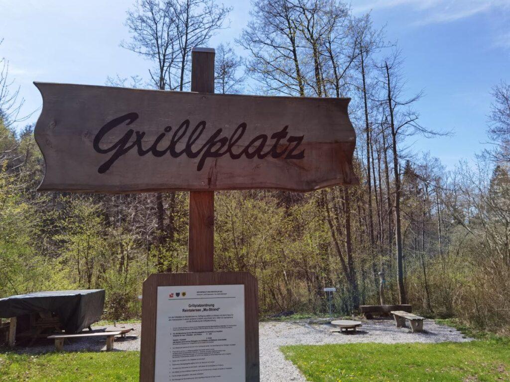Das ist der Grillplatz, rund 100 Meter vom Ufer des Reintalersee