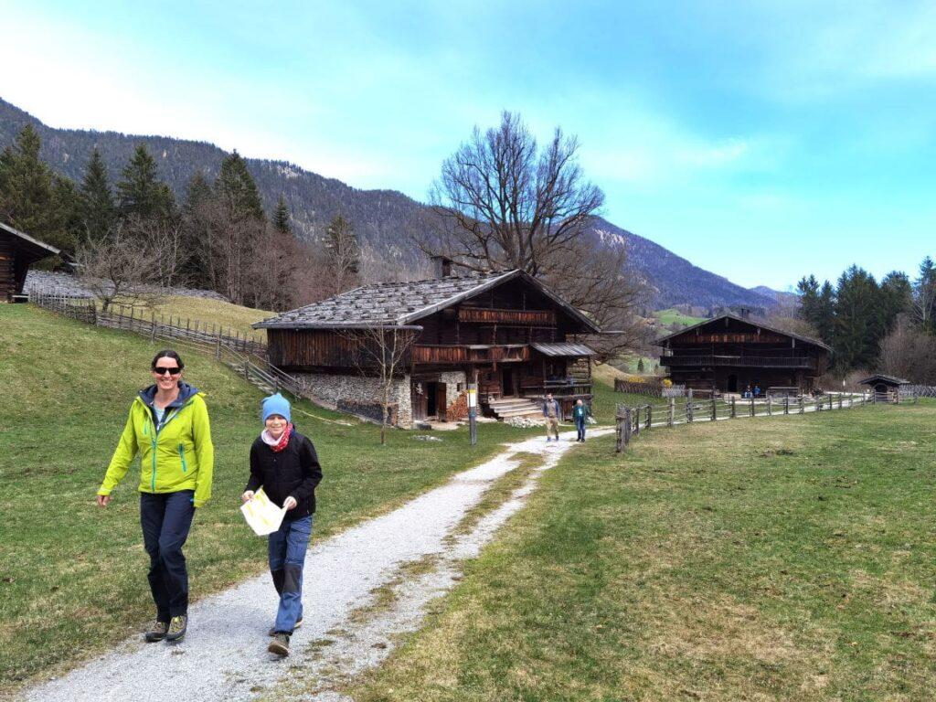 Unser Ausflug im Höfemuseum Kramsach - schnell weiter zur nächsten Rätselfrage