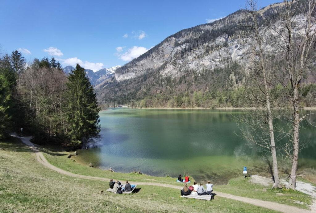 Panorama über den Reintalersee Kramsach, dahinter die Brandenberger Alpen und das Rofan